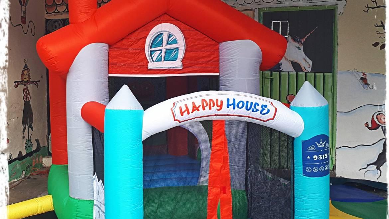 A L'ASSAUT loue aussi des structures gonflabes pour un anniversaire ou autres oc…