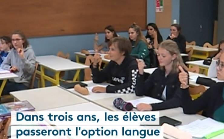 Regarder La langue des signes, nouvelle option au lycée