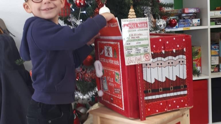 La lettre au Père Noël et ses nombreux adeptes ce matin bravo aux mini lutins