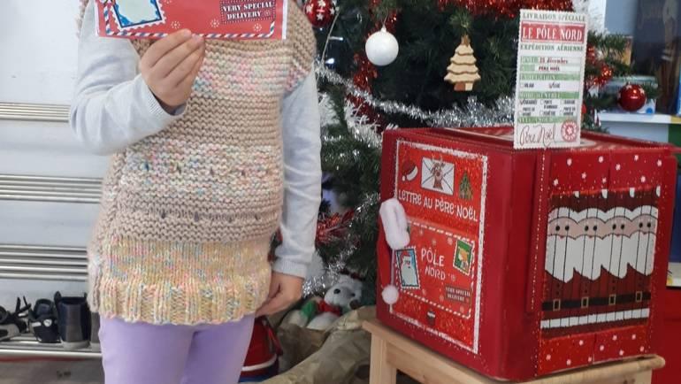 Ça continue les lettres au Père Noël à L'Assaut 13 au total sur la journée la su…