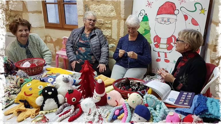Nos couturières au marché de Noël de A l'Assaut.