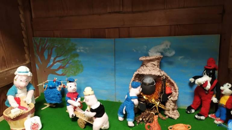 Les 3 petits cochons et Pinocchio, exposés en ce moment