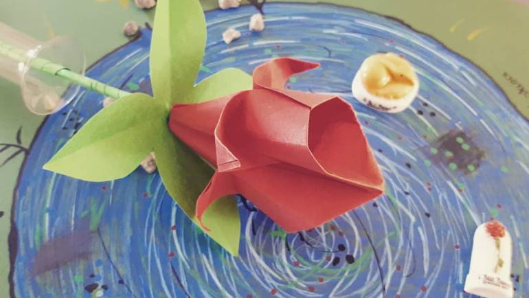 Tuto origami pour les plus grands dès Lundi par Corinne l'animatrice……